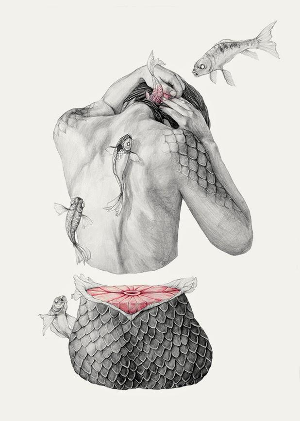 Elisa Ancori. Se ve una chica de espaldas que tiene escamas de la cintura para abajo y le suben peces por la espalda