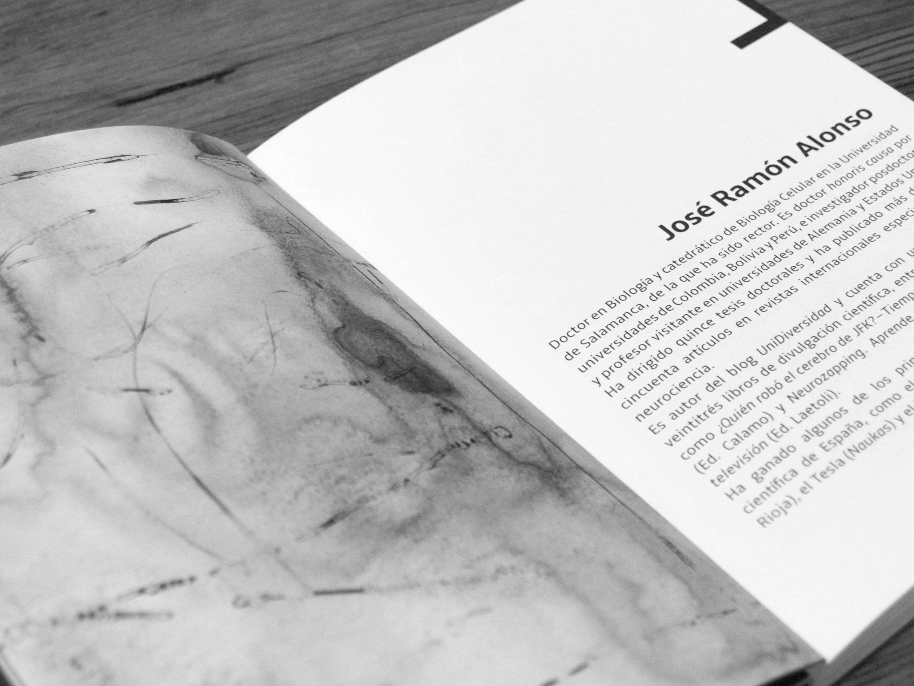Página del libro con la biografía de JR Alonso